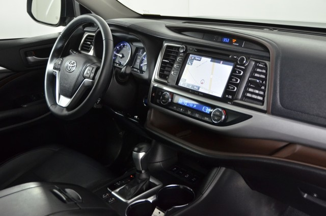 Certified Pre-Owned 2016 Toyota Highlander XLE ***CERTIFIED***