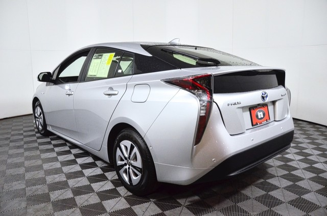 Certified Pre-Owned 2017 Toyota Prius Three Touring ***CERTIFIED***